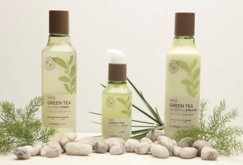 Bạn có thể tham khảo Green Tea Toner của The Face Shop