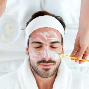 Cách chăm sóc da mụn cho nam cực kỳ hiệu quả