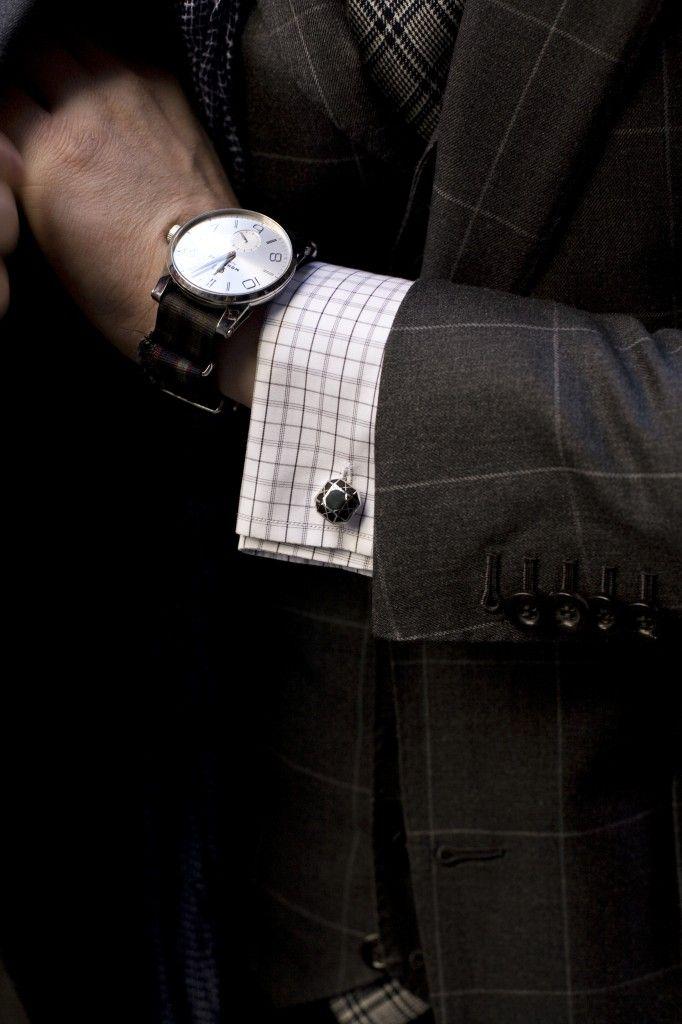 5 phụ kiện thời trang nam cơ bản đi cùng đồ Suit6