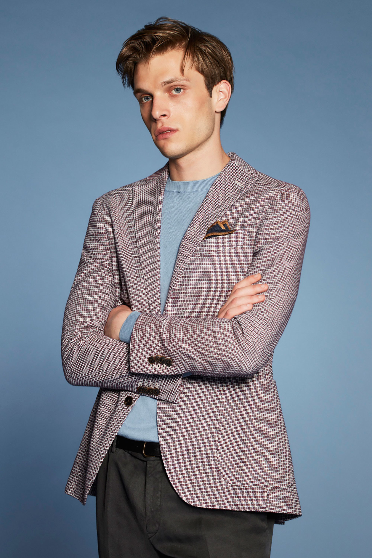 5 phụ kiện thời trang nam cơ bản đi cùng đồ Suit7
