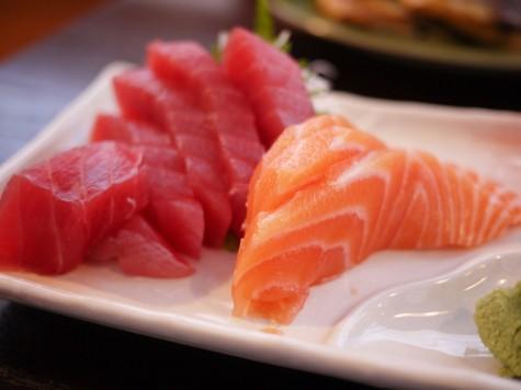 Trong cá có rất nhiều Omega-3, giúp các tế bào tăng cường khả năng hấp thu và ngăn cơ thể lấy chất dinh dưỡng từ các tế bào đó, dẫn đến việc cơ bắp sẽ hấp thu tốt protein, glycogen, và dự trữ glutamine để phát triển cơ bắp.