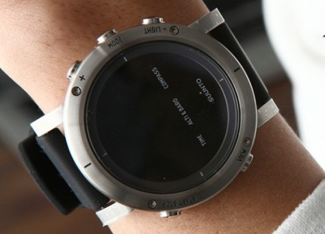 đồng hồ điện tử - featured image 1 - elleman