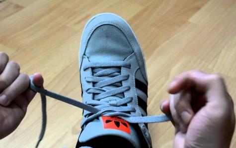 những cách buộc dây giày ấn tượng - featured image 1 - elleman