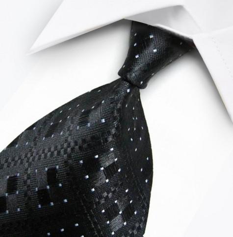 Kiểu thắt cà vạt truyền thống.