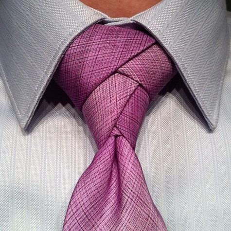 Cách thắt cà vạt kiểu hoa tulip.