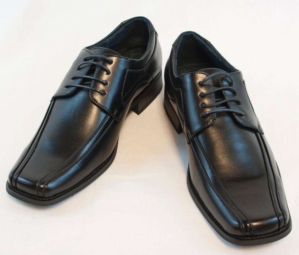 Kiểu giày khiến bạn trở nên vô cùng nặng nề