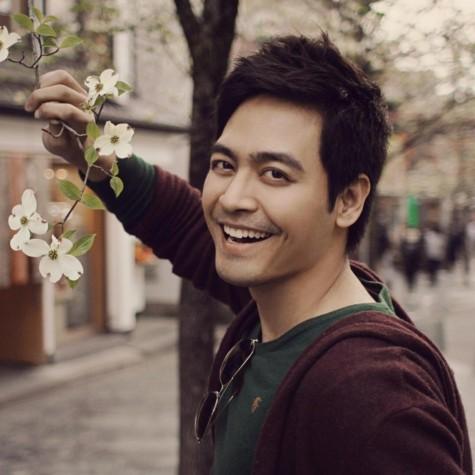 Khuôn mặt điển trai dễ gây thiện cảm của MC Phan Anh