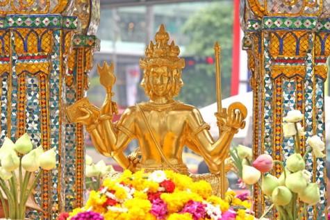 Người Thái rất tin vào sự linh nghiệm của Tứ Diện Thần