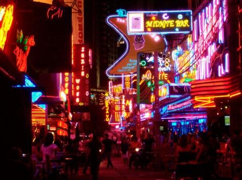Silom là khu ăn chơi tuyệt vời cho người trẻ