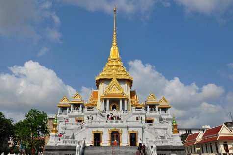 Chùa vàng là điểm đến quen thuộc của nhiều du khách khi đến Thái Lan