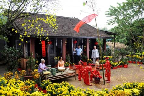 Tết cổ truyền là dịp quan trọng nhất của người Việt Nam.