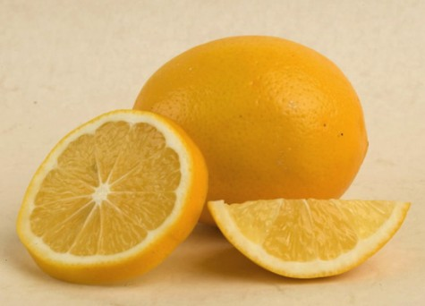 mẹo trị mụn hiệu quả cho nam giới - lemon - elleman
