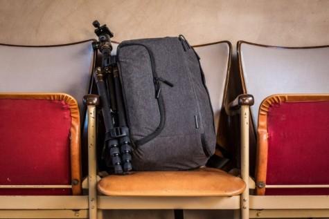 ba lô du lịch danh cho phượt thủ - Incase DSLR Pro Sling Pack 1 - elleman