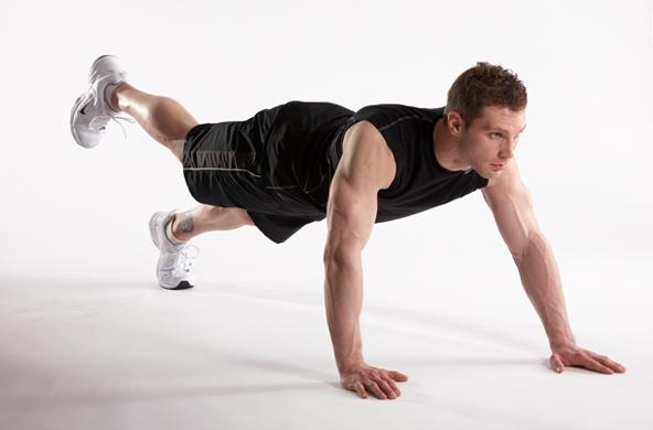 Ngoài việc hỗ trợ phát triển cơ bụng, động tác còn giúp khả năng giữ thăng bằng của người tập, có bắp phát triển đồng đều. Tránh hiện tượng lệch cơ.