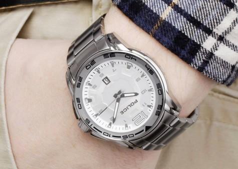 Đồng hồ nam thể hiện sự quý phái của các mày râu sành điệu và am hiểu guu thời trang