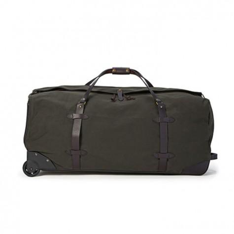 Có thể ví chiếc túi du lịch này là một anh lính vạm vỡ bởi khả năng tháo vát và tiện dụng của chúng