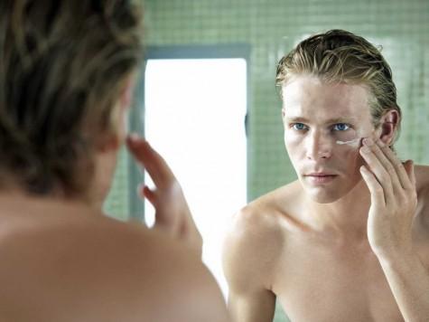 Top 4 loại kem trị mụn cho nam giới