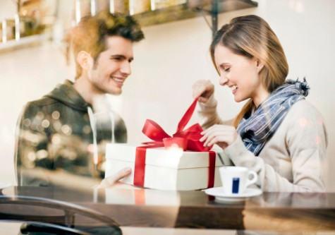 tặng quà cho bạn gái