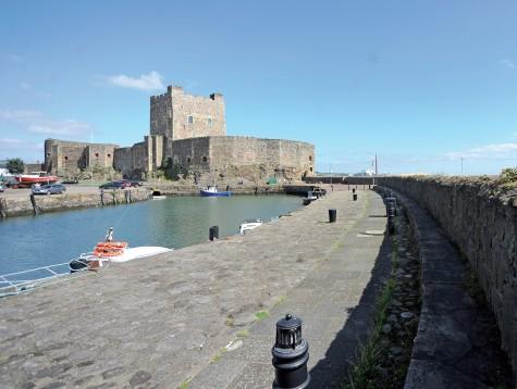 Lâu đài Carrickfergus, cửa ngõ vào cung đường ven biển Coastal Way