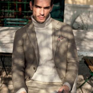 Xu hướng thời trang với những chiếc áo len cổ lọ