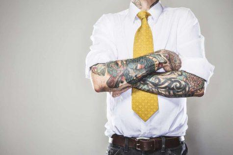 Áo dài tay nam: Bạn đã biết xắn tay áo như thế nào cho đúng?