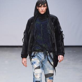 Các xu hướng áo & quần jeans nam hot 2016 - embellished James Long disstressed patchwork - elleman