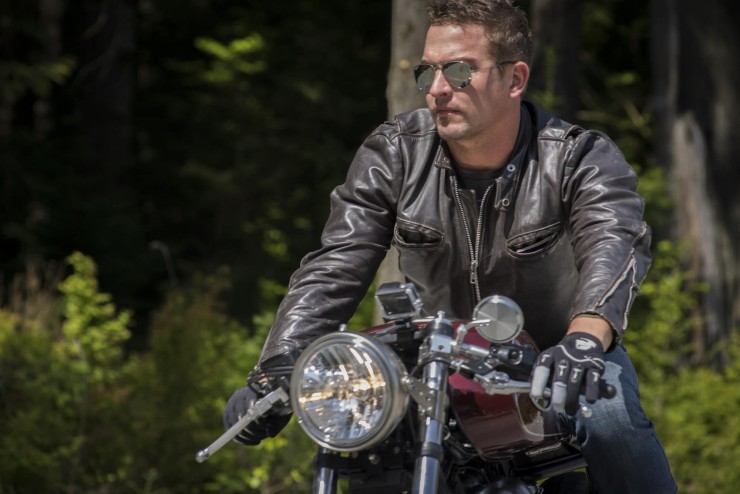 Ryan Reynolds & Triumph Thruxton cafe racer 9 - elle man