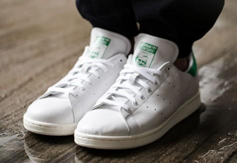 6 thương hiệu giày thời trang tối giản đình đám nhất hiện nay - adidas stan smith - elleman