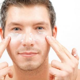 4 thói quen xấu khiến nam giới có làn da mụn