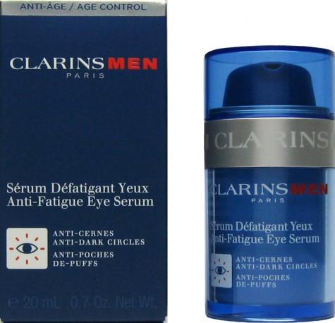 Serum cho mắt có thể dùng trước khi dùng kem dưỡng mắt để tạo hiệu quả sâu hơn.
