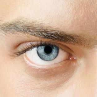 Tìm hiểu về kem dưỡng mắt cho nam giới