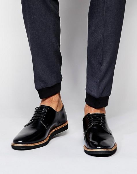 7 xu hướng thời trang giày nam nên tránh - derby shoes - elleman 1