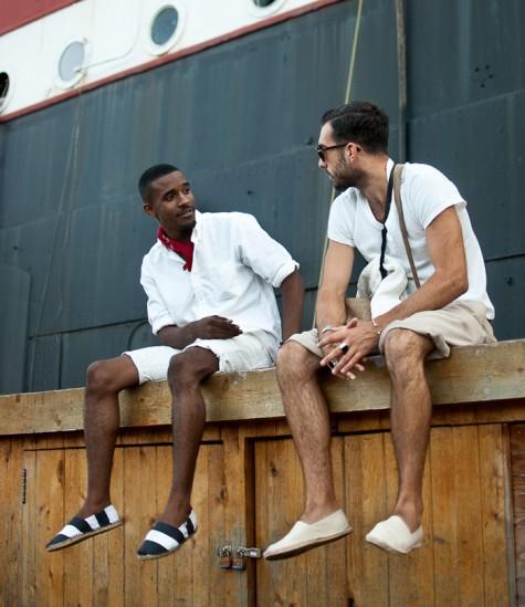 7 xu hướng thời trang giày nam nên tránh - espradilles - elleman 2