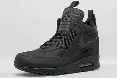 7 xu hướng thời trang giày nam nên tránh - nike airmax sneakerboots - elleman 2