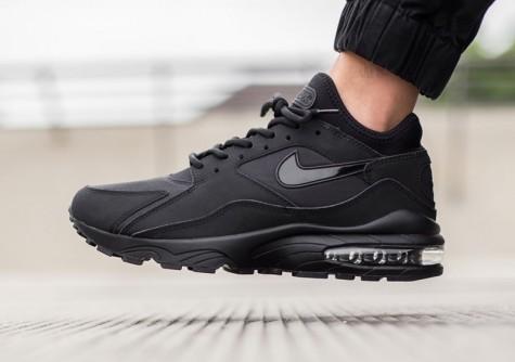 Đen - phong cách thời trang - black Nike's Air Max - elle man