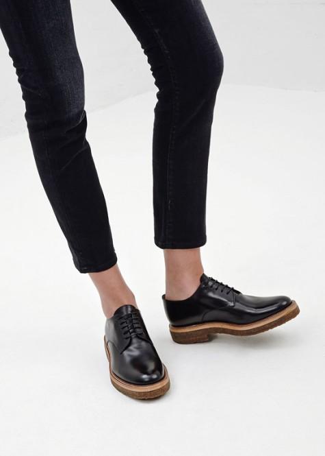 Đen - phong cách thời trang - black derby - elle man