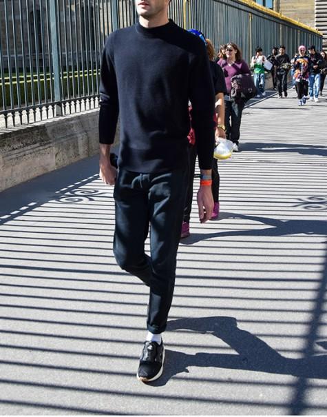 Đen - phong cách thời trang - black sneakers - elle man 2