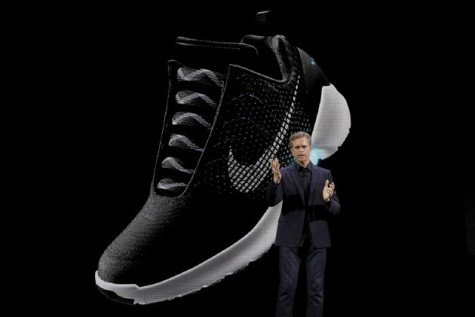 giày thể thao hyperadapt elleman12