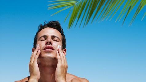 Kem chống nắng nên sử dụng quanh năm, không chỉ cho mỗi chuyến du lịch mùa hè