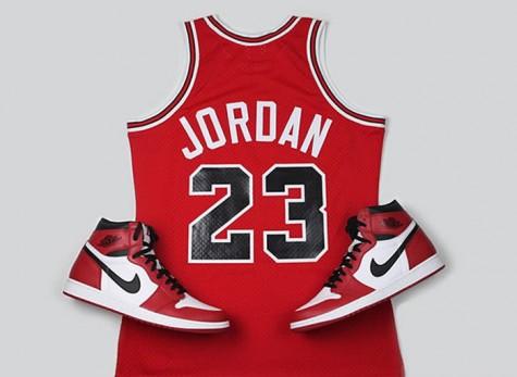 6 cái bắt tay tuyệt vời nhất trong thế giới thời trang - Micheal Jordan x Nike - elleman 1