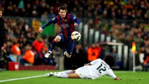 Cầu thủ bóng đá rèn thể lực thế nào?