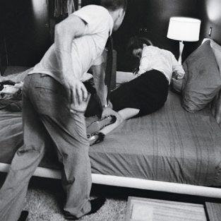 Brad Pitt và những khung ảnh về Angie - elle man 36