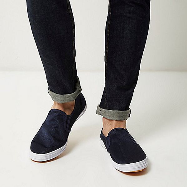 5 kieu giay the thao - slip-on - Navy mesh slip on plimsolls - elle man