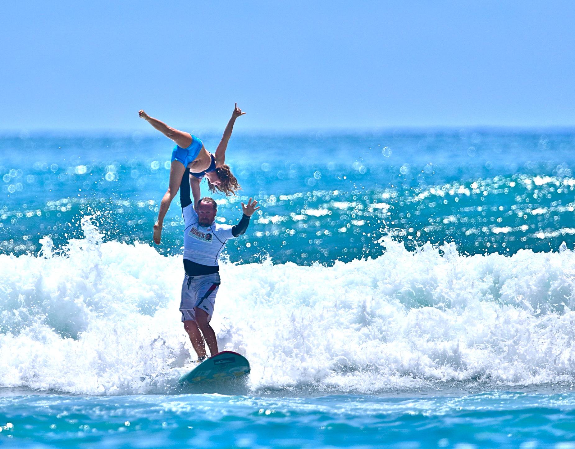 lướt sóng đôi môn thể thao hấp dẫn ở hawaii - elleman 2