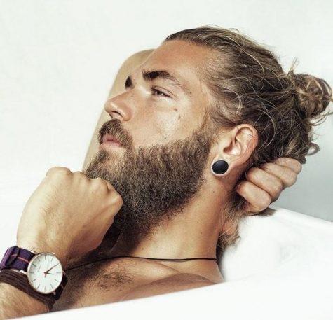 7 style thời thượng cho những mái tóc nam xoăn