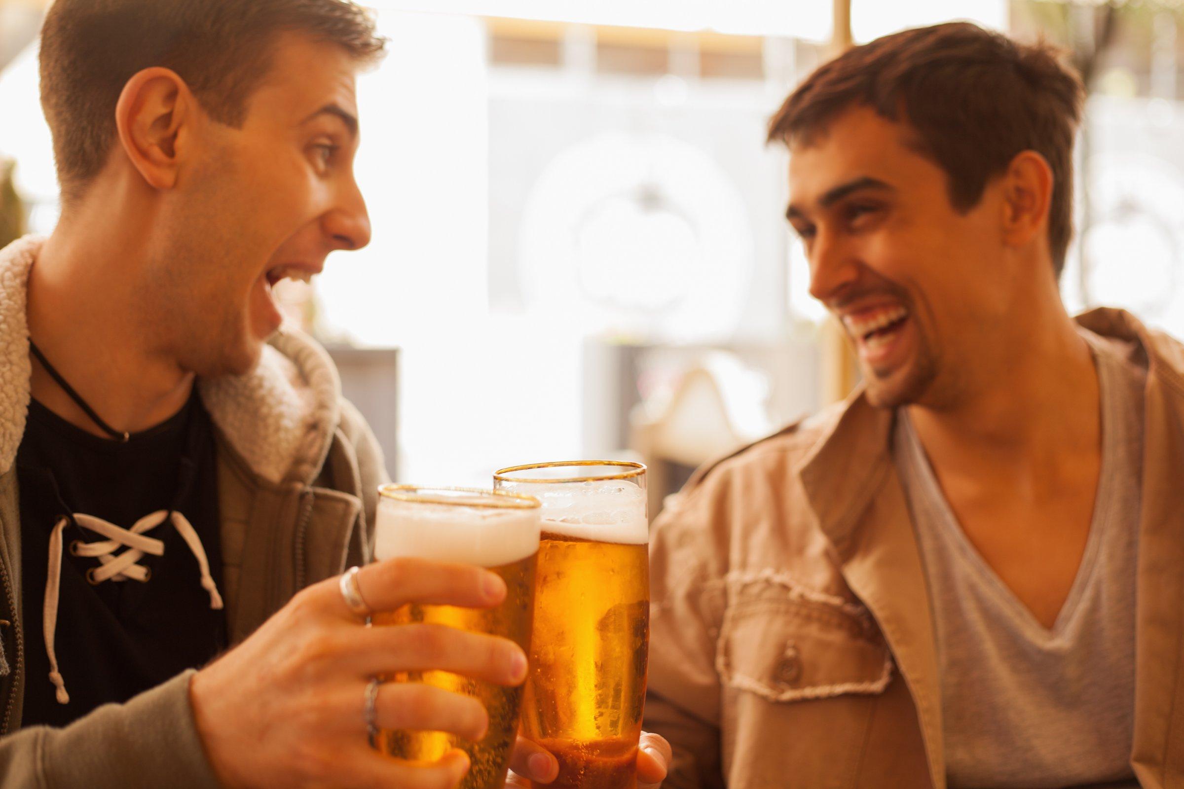 su dung ruou bia co y thuc - elle man 2