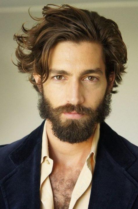 Mái tóc bồng bềnh là mơ ước của hầu hết cánh mày râu