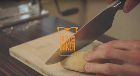 Matthew Adler, 24 tuổi, được biết tới với cái tên Topless Baker