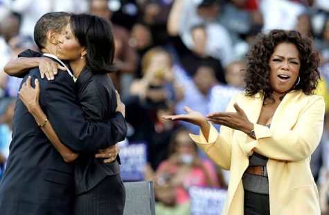 Vợ chồng Tổng thống Obama cùng người dẫn chương trình quyền lực Oprah Winfrey, 9/12/2008
