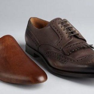 Bảo quản giày da: Bí quyết giữ dáng cho giày